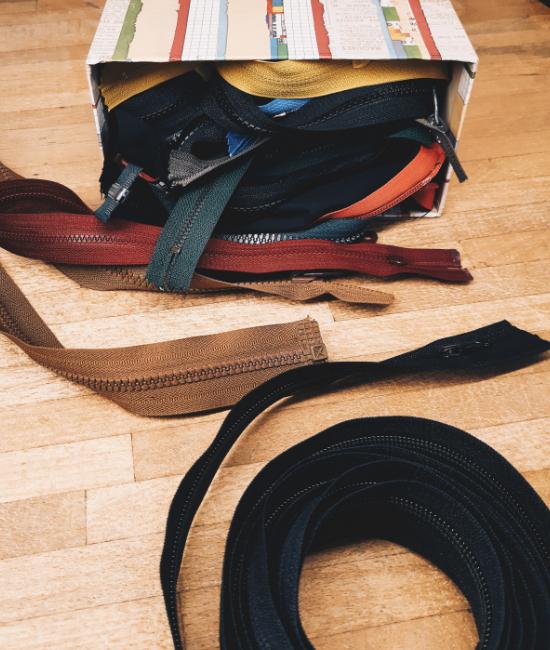 Zipper Guide
